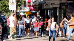 Comércio de rua de Maringá tem horário alterado por decreto