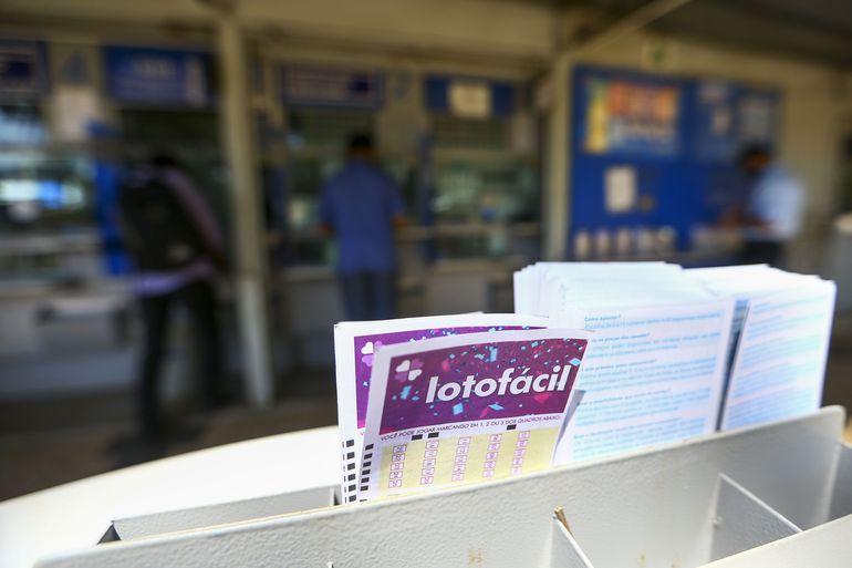 Concurso 2066 da LotoFácil sorteia R$ 1,5 milhão em prêmios nesta segunda-feira (26)