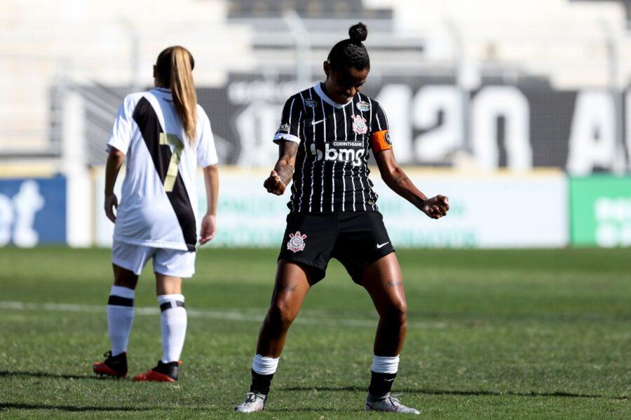 Corinthians goleia a Ponte Preta, alcança a sua 10ª vitória seguida e segue líder do Brasileirão Feminino