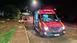 Casal tenta desviar de cachorro e sofre acidente em Londrina