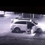 Vídeo mostra engenheiro agredindo e jogando namorada pra fora de carro de luxo, em Curitiba