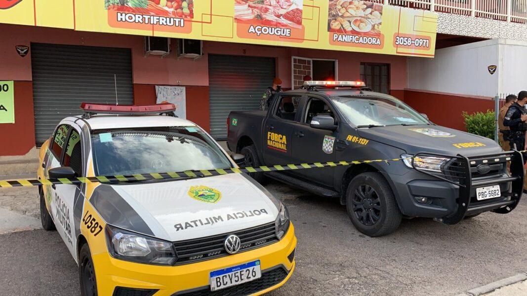 Três homens são executados dentro de supermercado na Grande Curitiba