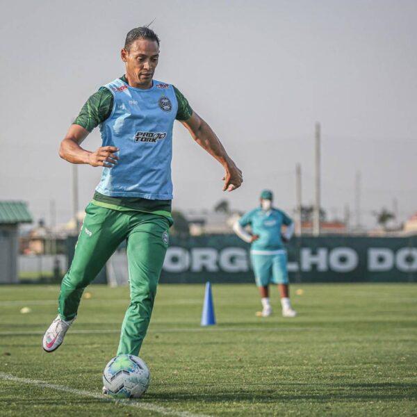 Desfalcado, Santos visita o Coritiba em busca de reabilitação