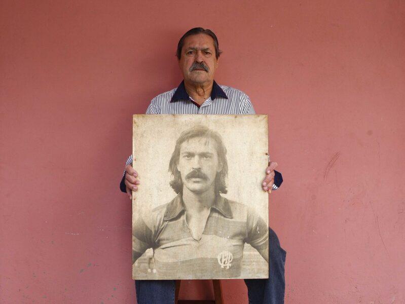 Biografia do ídolo Sicupira será lançada neste sábado na Pedreira Paulo Leminski