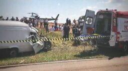 Acidente entre Fiorino e carroça deixa uma pessoa e um cavalo mortos em Douradina