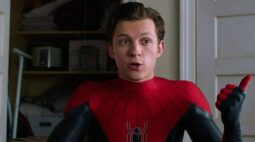 Homem-Aranha 3: Tom Holland compartilha vídeo de recebimento do roteiro