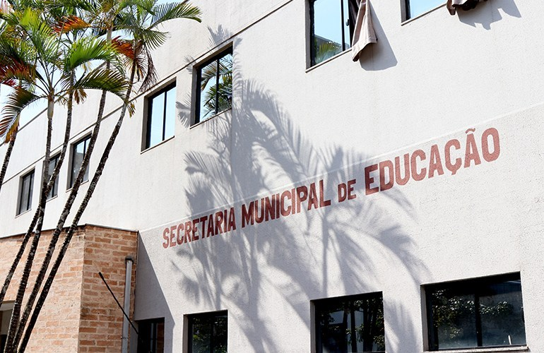 Chamada para matrícula e rematrícula das escolas municipais de Londrina é prorrogada