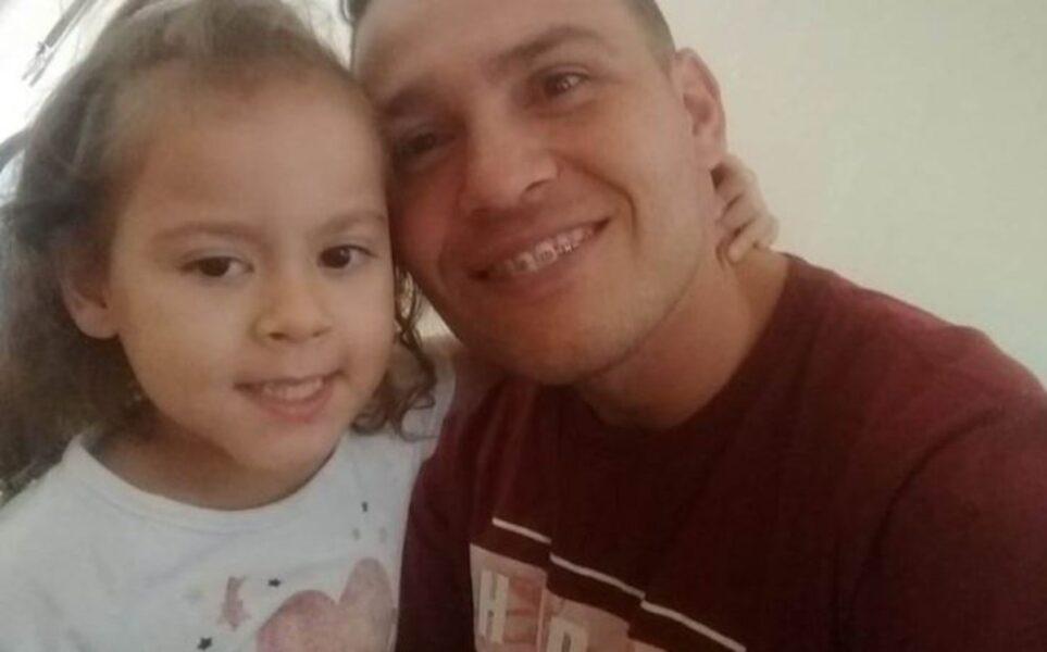 Menina de 4 anos morre depois de engasgar com nuggets de frango