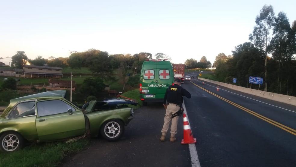 Motorista morre ao ser atingido por caminhão na BR-277