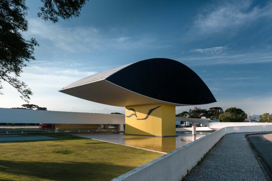 Museu Oscar Niemeyer reabre ao público após sete meses