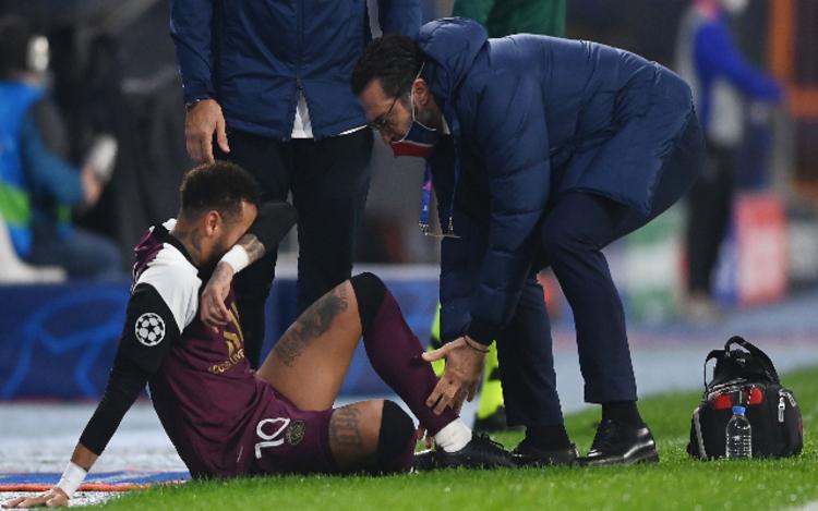Neymar tem lesão constatada e deve desfalcar PSG nos próximos jogos
