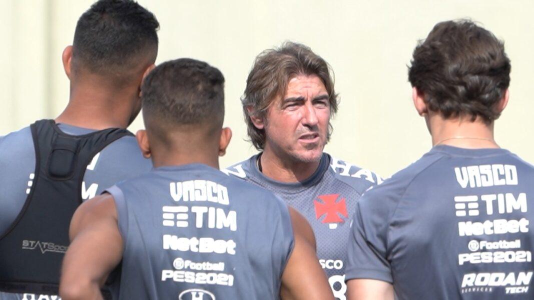 Vasco comunica a demissão do técnico Ricardo Sá Pinto