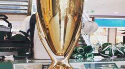 Maringá recebe taça do título Paulista 2020 do Palmeiras para visitações