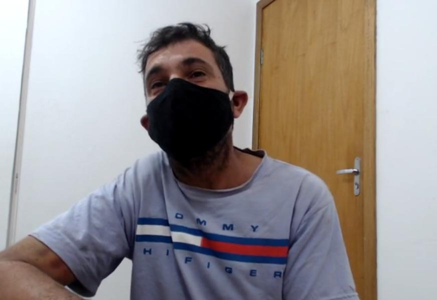 Após ser preso por jogar água fervendo em mulher, homem vira réu por tentativa de feminicídio