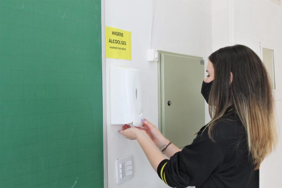 Volta às aulas Paraná: confira o formulário de autorização dos pais e quais escolas estão liberadas