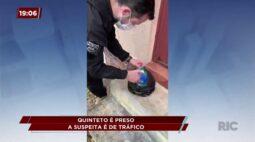 Cinco homens são presos suspeitos de tráfico de drogas