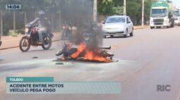 Moto pega fogo depois de bater com outra moto em Toledo