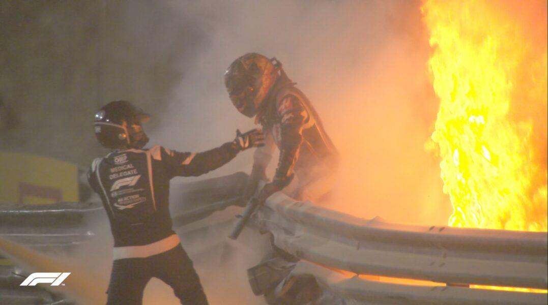 Grosjean sofre forte acidente e GP do Bahrein é paralisado