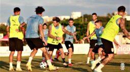 Colômbia recebe o Uruguai; Chile busca revanche contra Peru