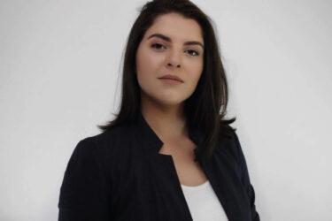 Conheça a candidata à prefeitura de Curitiba, Camila Lanes