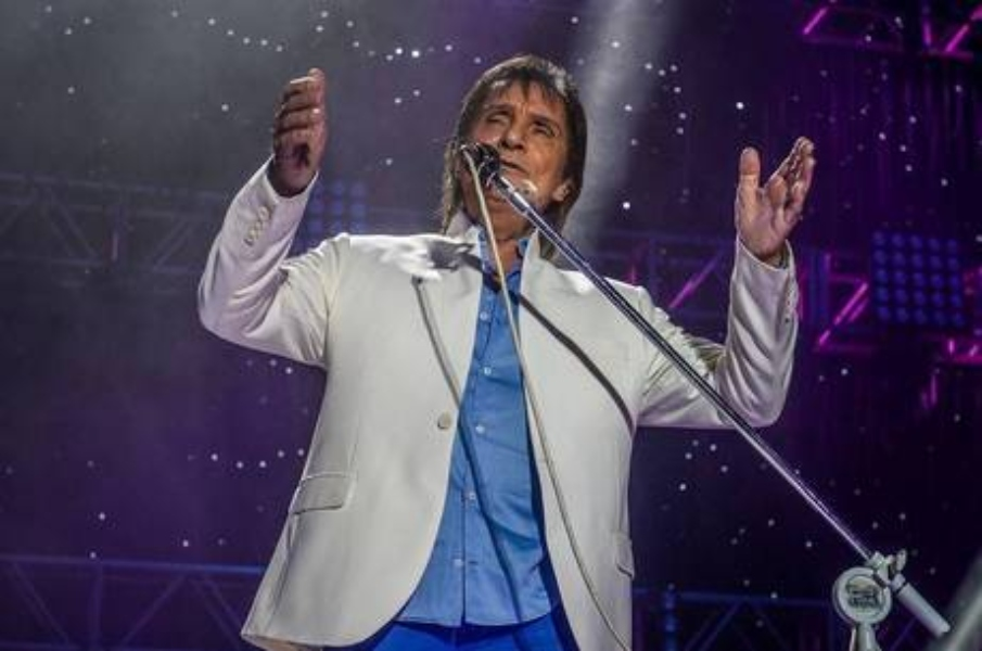 Prefeitura pede penhora de bens do cantor Roberto Carlos