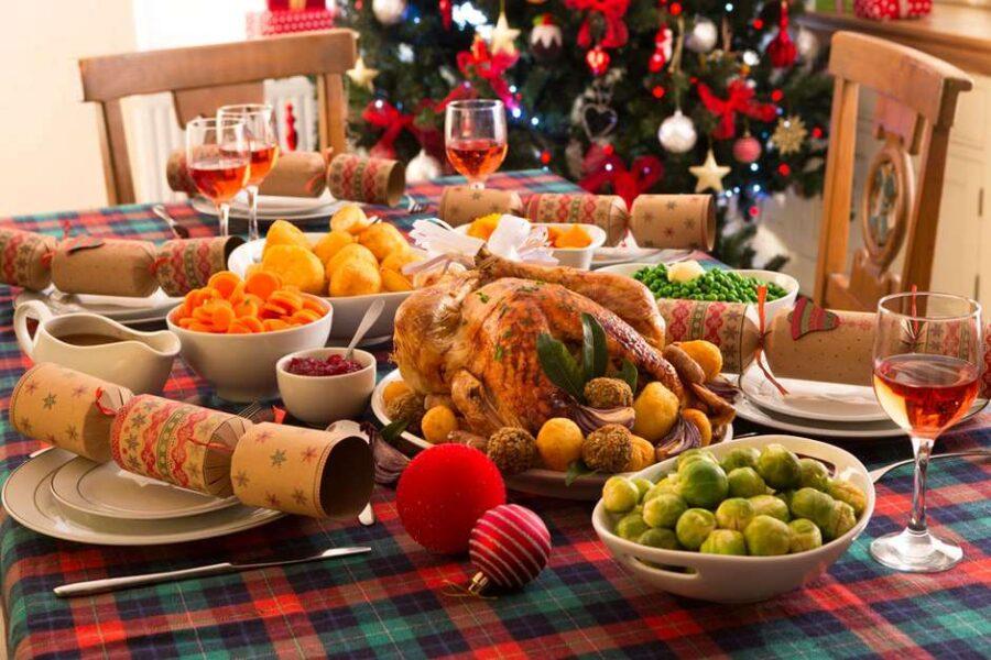 OMS diz que 'aposta mais segura' contra Covid-19 é desistir das festas de Natal e ano-novo