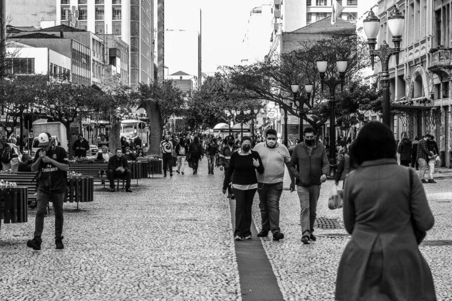Com UTIs lotadas, secretária anuncia que irá suspender cirurgias eletivas em Curitiba