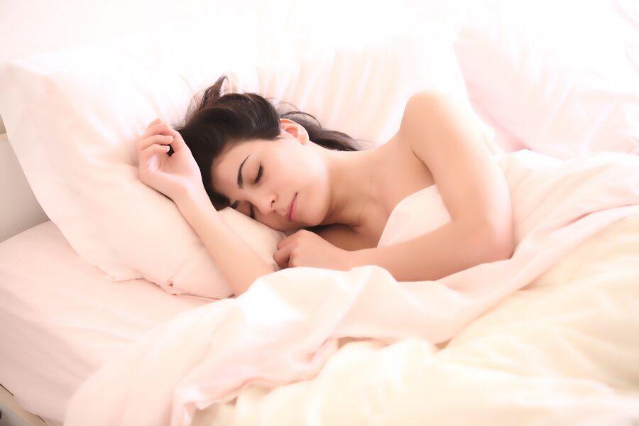 Como dormir bem e saber escolher o colchão para uma boa noite de sono