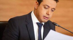 Apresentador e vereador Cristiano Santos segue na UTI com Covid-19