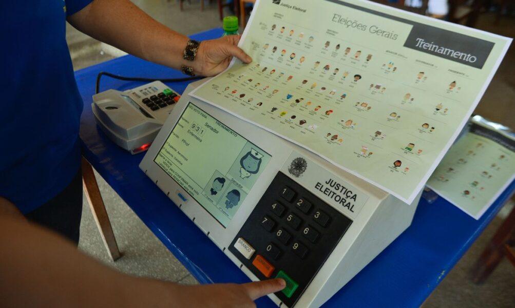 Curitiba recebe voluntários da Transparência Eleitoral Brasil durante eleições