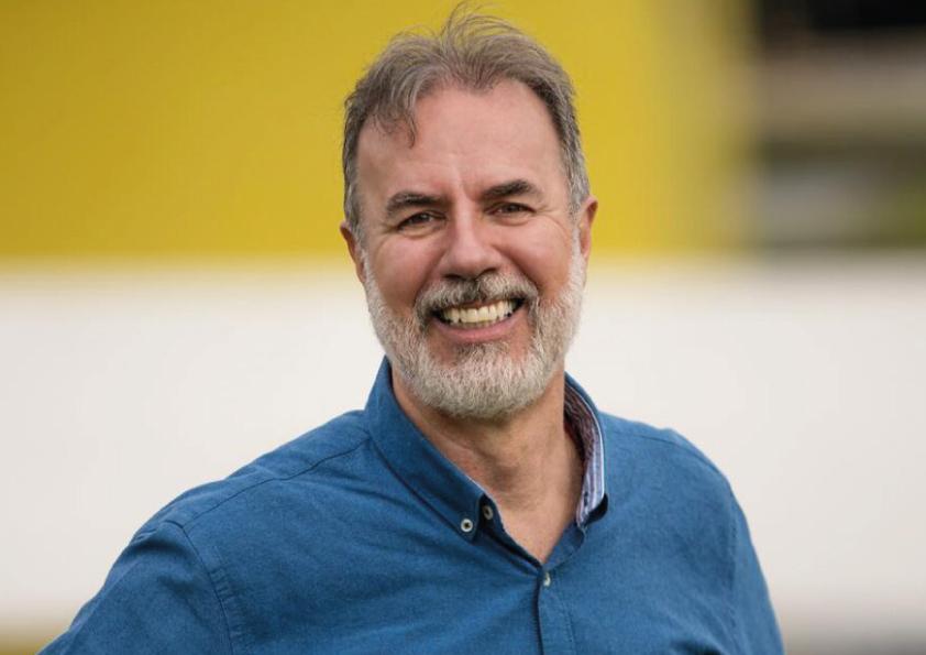 Conheça o candidato à prefeitura de Curitiba, Eloy Casagrande