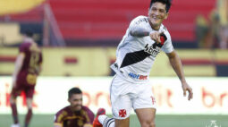 Antes de partida do Vasco, Cano elogia técnico do Defensa Y Justicia