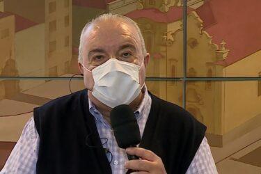 Reeleito, Greca afirma que Curitiba continua com bandeira amarela