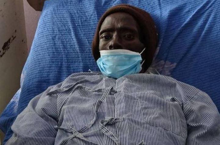 Homem morto volta à vida e chora após receber corte na perna