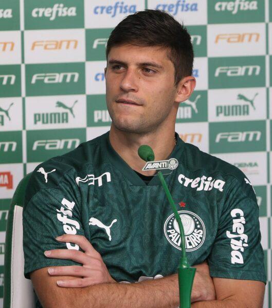 Fã do Mago Valdivia, chileno Kuscevic cita visibilidade do Palmeiras e mira volta à seleção