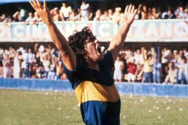 Clubes e atletas se manifestam sobre morte de Diego Maradona