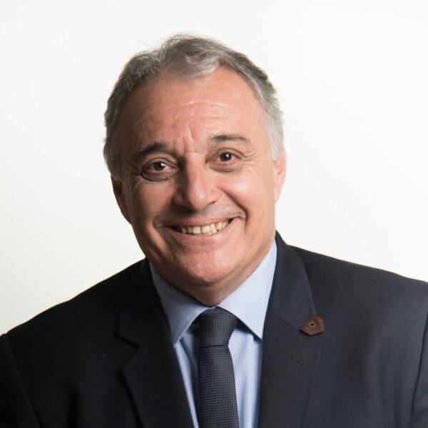 Marcelo Puppi é reeleito prefeito em Campo Largo