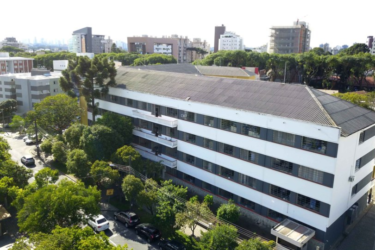 Matrículas para colégios estaduais do Paraná começam nesta terça