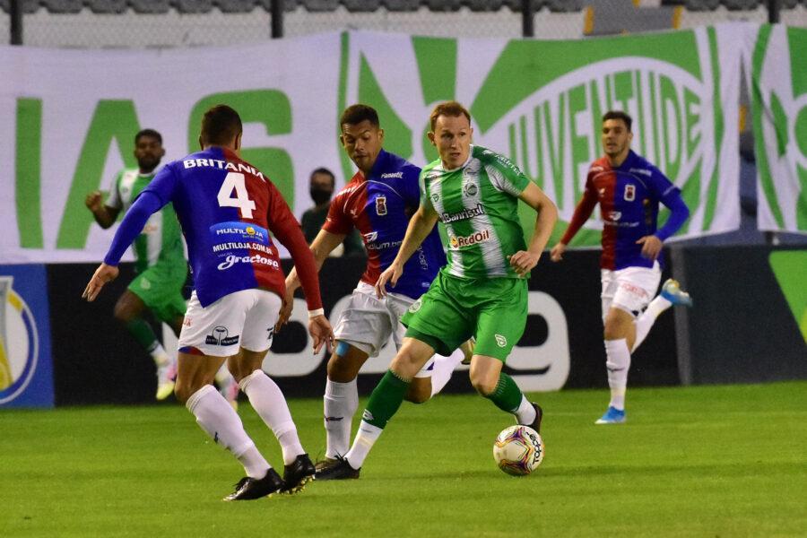 Paraná é goleado pelo Juventude e acumula quarto jogo sem vencer