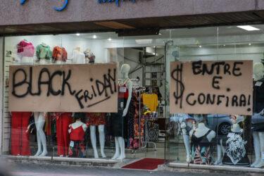 Procon Paraná orienta consumidor sobre a Black Friday