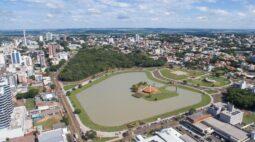 Em novo decreto, Toledo expande horário do funcionamento de atividades