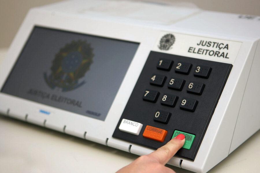 Eleições 2022: Posicionamentos distintos dos eleitores em nível nacional e em SC e PR