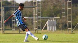 Promessa do Grêmio, Fernando Henrique fala sobre comparações com Maicon e cancelamento da Copinha