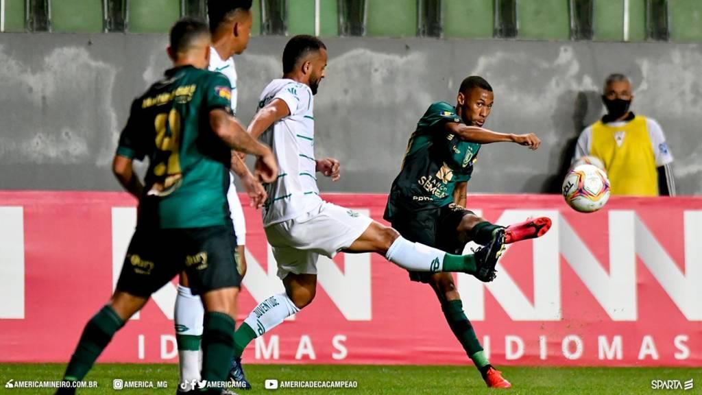 América-MG e Cruzeiro se enfrentam vivendo momentos opostos na temporada