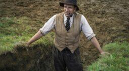 A Escavação drama com Ralph Fiennes ganha trailer