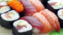 Mulher tem alucinações por meses após comer sushi de posto de gasolina