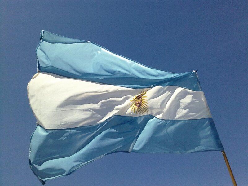 Argentina barra entrada de brasileiros até 8 de janeiro