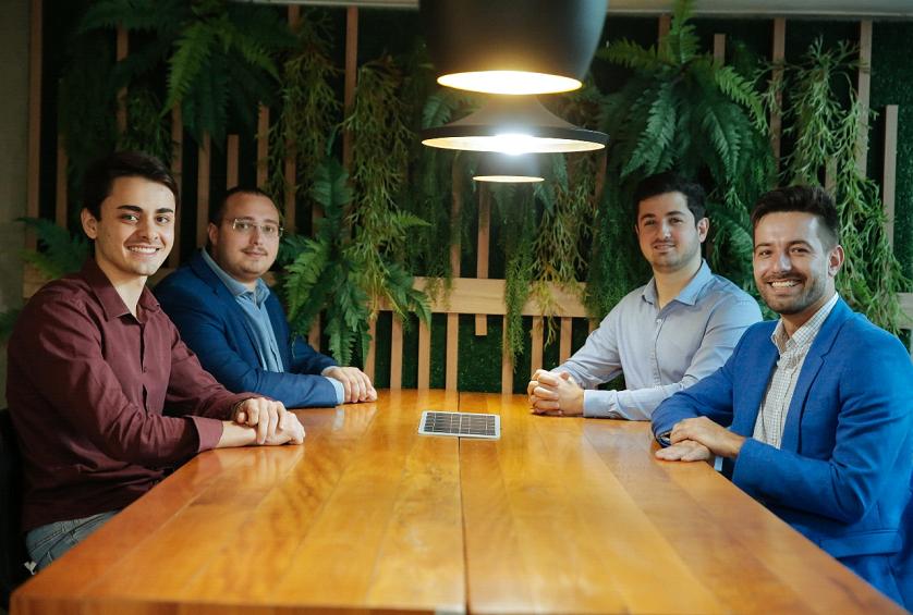 Como quatro jovens empreendedores alavancam a energia solar no Brasil