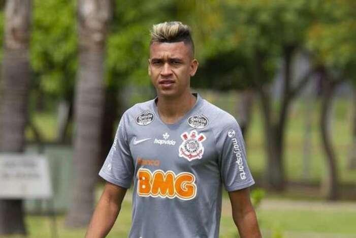 Cantillo treina sem restrições e reforça o Corinthians contra o Botafogo