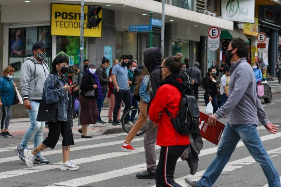 Curitiba registra 772 novos casos e 21 mortos por coronavírus